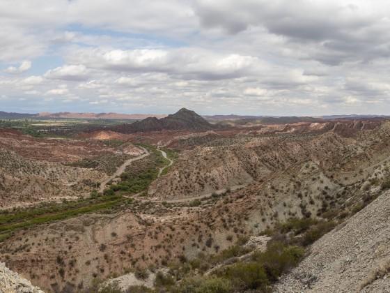 """Blick von der Ruta 150 auf die """"Ruta 40""""-Ebene"""