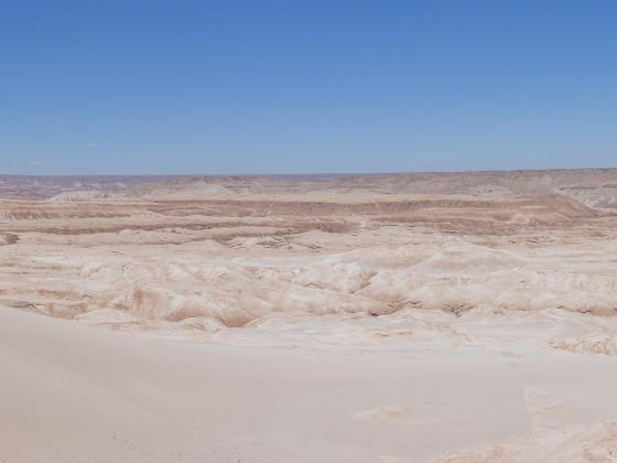 Ohne Wolken und mit anderem Himmel: Mars?
